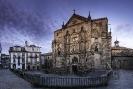 Fachada da igrexa de San Martiño Pinario.