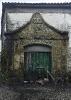 Fachada de capela reaproveitada en Santa Mariña de Tomonde.