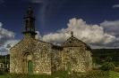 Igrexa de San Pedro de Ansemil e capela anexa dos Deza ou de Santa Ana.